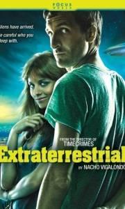 My, oni i obcy online / Extraterrestre online (2011) | Kinomaniak.pl