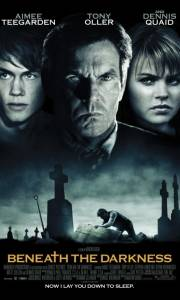 Grabarz online / Beneath the darkness online (2011) | Kinomaniak.pl