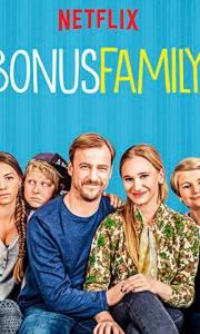 Rodzina plus online / Bonusfamiljen online (2017-) | Kinomaniak.pl
