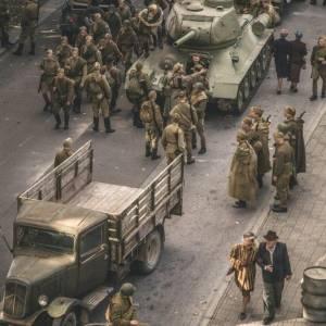 1944 online (2015) | Kinomaniak.pl