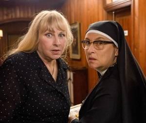 Jak być dobrą żoną/ La bonne épouse(2020) - zdjęcia, fotki | Kinomaniak.pl